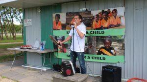 Don Dewey singing Liberia song