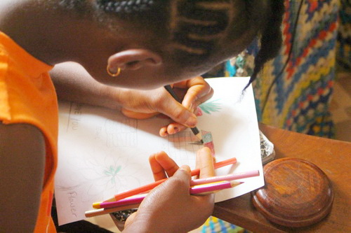 The children had fun doing their artwork. We brought new pencil crayons. Some wanted to send a sample of their drawings to their sponsors.