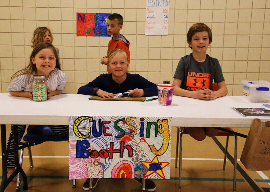 For the first time this year the Grade 3 students also organized carnival games to generate funds.